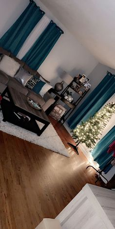 42 favorite cozy living room decor ideas to copy 32 Teal Living Rooms, Living Room Themes, Living Room Decor Cozy, Home Living Room, Living Room Designs, Bedroom Decor, Lamps For Living Room, Living Room Goals, Decor Room