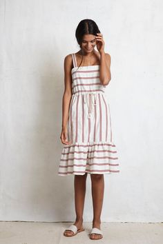 327 nejlepších obrázků na Pinterestu na téma Elegant dresses  628c9c71e03