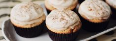The Food & Leisure Guide® Cupcakes ζουμερά με κανέλα