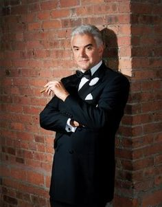 """A Maine native, actor John O'Hurley also lived for at time in Natick. He's performed the role of Billy Flynn in the musical """"Chicago"""" - on Broadway and on the road - more than 500 times.    Read more: http://www.metrowestdailynews.com/news/x1757118800/John-OHurley-dancin-back-to-Boston-in-Chicago#ixzz2AJfWk4DY"""