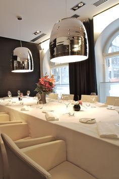 The stunning Notte in mirrored glass in a Helsinki restaurant