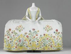 Helena Slicher's (1737-1776) wedding gown or mantua, which she supposedly wore at her marriage to Aelbrecht baron van Slingelandt (1732-1801) on 4 September 1759. Rijksmuseum, Amsterdam.
