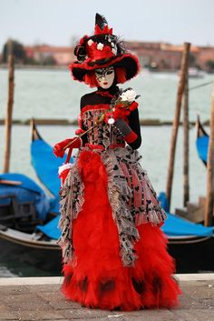 Elegant red and black costume with great hat from Carnival of Venice 2011 Flickr - Photo Sharing!