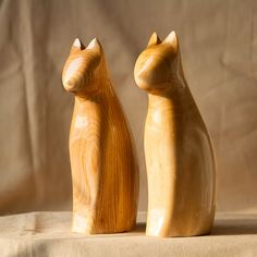 High Quality Wooden Cats Statue, Wooden Cats Figurine, Wood Carving, Hand Carved