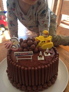 Rubble on the double cake. 3 Year Old Birthday Cake, Toddler Birthday Cakes, 4th Birthday Cakes, Birthday Bbq, Rubble Paw Patrol Cake, Torta Paw Patrol, Digger Cake, Paw Patrol Birthday Cake, Cupcake Cakes