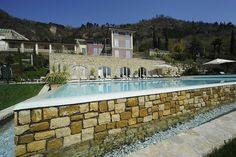 Villas And Apartments to Rent Italy Holidays, Luxury Apartments, Budget Travel, Condo, Places To Visit, Villa, Gym, Mansions, House Styles