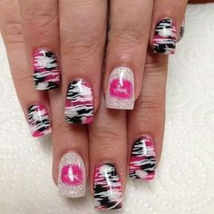 Love the black, pink and white design!