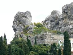 Fortess Goszuvity http://apartmentscrimea.com/mag/10-castles-of-crimea/