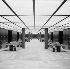 EERO SAARINEN, Deere & Company Headquarters (office interior), Moline, IL, 1957-63. Office interior. Photography by Balthazar Korab. / Library of Congress