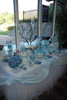 34 Best Wedding Table Display Ideas That Make Beauty Your Party - weddingtopia Blue Candy Bars, Blue Candy Buffet, Lolly Buffet, Candy Buffet Tables, Wedding Candy Table, Bar A Bonbon, Winter Wonderland Party, Shower Bebe, Sweet Sixteen Parties
