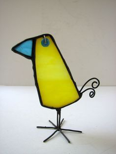 A unique stained glass bird to fit your character… Bird dimensions are: Approx. 2.5 inch (6.5cm) head to tows Approx. 3.7 inch (9.5cm) beak