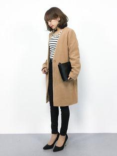 毎年秋冬になると注目されるのが「ベージュ」です。上品に見えて、女性らしい雰囲気を醸し出してくれます。でも一歩間違うと老けてみえてしまう可能性も。今回は、もう老けて見られない! 今年っぽくベージュを取り入れる方法をご紹介します。 Work Fashion, Fashion Pants, Daily Fashion, Fashion Outfits, Womens Fashion, Japanese Fashion, Asian Fashion, Casual Work Outfits, Cool Outfits