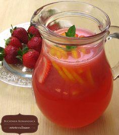 Bautura racoritoare din capsuni Juice Drinks, Salsa, Jar, Drink Recipes, Tableware, Food, Dinnerware, Tablewares, Essen