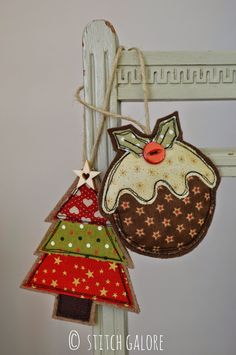 Handmade Christmas Tree and Pudding decorations by Stitch Galore Decorated with appliqué and freehand machine embroidery. Handmade Christmas Tree, Handmade Christmas Decorations, Felt Christmas Ornaments, Christmas Diy, Homemade Christmas, Diy Christmas Bunting, Country Christmas, Christmas Christmas, Christmas Applique