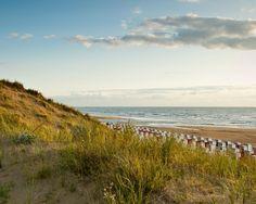 Aan de Katwijkse kust  Geniet van 3 4 of 5 heerlijke dagen aan de kust van Katwijk en verblijf in het gloednieuwe B&B aan Zee op loopafstand van het strand inclusief welkom met wat lekkers ontbijt en een driegangendiner bij Wapen van Kattuk!  EUR 99.00  Meer informatie  #vakantie http://vakantienaar.eu - http://facebook.com/vakantienaar.eu - https://start.me/p/VRobeo/vakantie-pagina