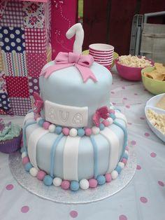 www.facebook.com/cupcakesbyrachel 1st birthday cake baby girl blue white pink
