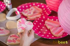 cookie decorating - simple, fun, and little mess (sign me up for that). I'm doing this with my kids this valentines day