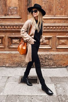 Stunning 53 Excellent Outfits Ideas With Black Style Fashion Blogger Style, Fashion Mode, Trendy Fashion, Fashion Hats, Fashion Bloggers, Outfits With Hats, Mode Outfits, School Outfits, Fall Winter Outfits