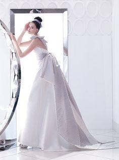 Espectacular colección de vestidos, zapatos y peinados de novias | Boda Nupcial con Arcos