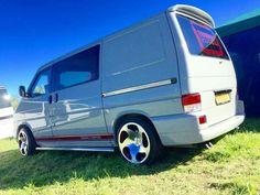 VW T4 Transporter Vw Bus T1, Volkswagen Touran, Volkswagen Transporter, Vw T5, T4 Camper, Campers, Car Paint Colors, Mini Bus, Busse