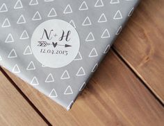 24 Custom Wedding Stickers Initials Date Arrow Heart Envelope Seals 40mm / Wedding Favor / 204