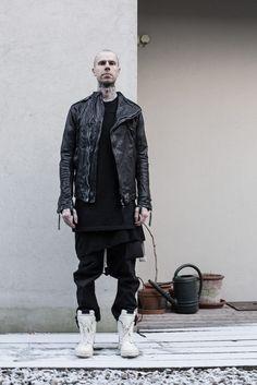 collecting_items @ SZ Gothic Fashion Men, Dark Fashion, Minimal Fashion, Urban Fashion, Mens Fashion, Fashion Outfits, Fashion Moda, Fashion Essentials, Gaudi