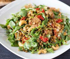 4 Συνταγές για σαλάτα με όσπρια πλούσια σε πρωτεΐνη! | ediva.gr Best Vegetarian Recipes, Vegetarian Lunch, Lunch Recipes, Healthy Recipes, Lentil Salad, Dinner Salads, Easy Healthy Dinners, Weeknight Meals, Pasta Dishes