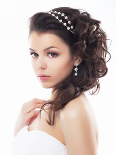Big wedding updos with headband | brown-hair-half-up-half-down-curly-wedding-hair-style-with-head-band