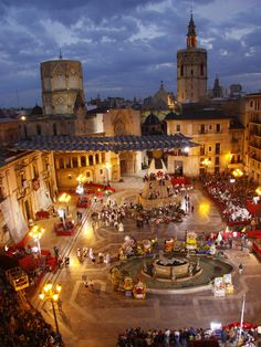 Las Fallas, Valencia, Costa Blanca - We love real estate… Places Around The World, The Places Youll Go, Travel Around The World, Places To See, Around The Worlds, Valencia City, Wonderful Places, Beautiful Places, Places