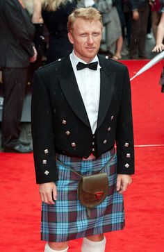 Scottish actor Kevin McKidd at the premiere of Brave. His kilt is the DunBroch Tartan that Disney had made and registered specially for the movie. He votes YES for Scotland's independence :-( Kevin Mckidd, Scottish Man, Scottish Actors, Scottish Culture, Tartan, Plaid, Diana Gabaldon, Outlander, Brave