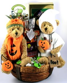 Candies and Variety of Snacks accompany Two Bears dressed in Halloween costumes make a great gift for families with 2 children. Halloween Signs, Spooky Halloween, Halloween Treats, Halloween Decorations, Halloween Costumes, Halloween Gift Baskets, Best Gift Baskets, Special Kids, Trick Or Treat