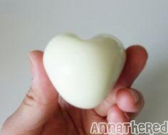 How make a heart shaped egg <3