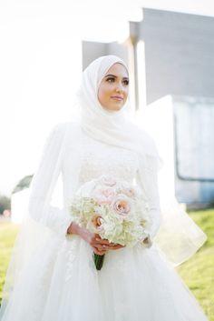 New wedding dresses hijab bride muslim ideas Hijabi Wedding, Wedding Hijab Styles, Muslimah Wedding Dress, Hijab Style Dress, Muslim Wedding Dresses, Muslim Brides, Bridal Dresses, Muslim Girls, Wedding Bride