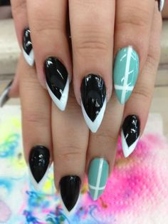 Black and White French Stiletto Nails Sexy Nails, Love Nails, How To Do Nails, Pretty Nails, Fun Nails, Purple Stiletto Nails, Manicure E Pedicure, Manicure Ideas, Nail Games