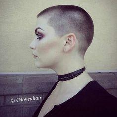 Buzz Cut Hairstyles, Cool Hairstyles, Short Hair Cuts For Women, Short Hair Styles, Bald Head Girl, Girls Short Haircuts, Pixie Haircuts, Buzzcut Girl, Barbers Cut