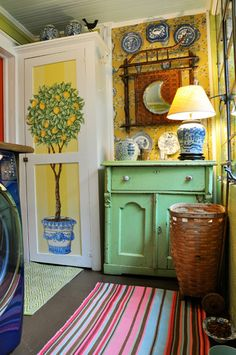 Colorful Fun Laundry Room. (MaymeBakerStudio)