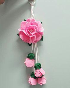 Cute Crafts, Craft Stick Crafts, Felt Crafts, Paper Crafts, Diy Crafts, Flower Bag, Felt Patterns, Funeral Flowers, Felt Flowers