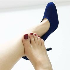 Only sexy feet : Photo Cute Toes, Pretty Toes, Manicure Y Pedicure, Beautiful Toes, Hot High Heels, Sexy Toes, Female Feet, Women's Feet, Hot Shoes