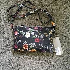 Flowery purse Brand new with tags, cross body Kenneth Cole reaction peruse! Kenneth Cole Reaction Bags Crossbody Bags