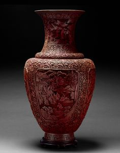 Vase, carved cinnabar with red lacquer, 18-19th century China. By far one of the most detailed pieces in the collection, simply awe inspiring in person! #KnowtheCrow #Chineseart #Ceramics #Crowcollection
