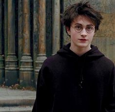 """""""After all, what we love will always be part of us"""" - Harry Potter Daniel Radcliffe Harry Potter, Harry James Potter, Harry Potter Tumblr, Harry Potter Hermione, Harry Potter World, Blaise Harry Potter, Images Harry Potter, Harry Potter Icons, Mundo Harry Potter"""