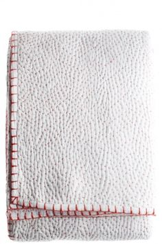 THIS pin -pricked white quilt with the red blanket stitch on the edges is a gorgeous piece of handworked cotton. john robshaw textiles ~ love it Boro, Bordados E Cia, Whole Cloth Quilts, Techniques Couture, Kantha Stitch, Textiles, Running Stitch, Blanket Stitch, Kantha Quilt