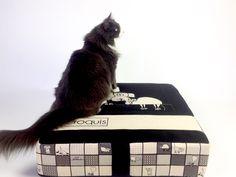 Lit pour chat et chien/ lit poir animaux/ de la boutique LESTISSUSCROQUIS sur Etsy