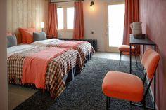 La chambre Sommet dans le Chalet Nantailly. Un chalet à la montagne design, écologique et panoramique pour 15 personnes en Savoie. Gite Rural, Bed, Lemaire, Design, Furniture, Html, Home Decor, Exterior Decoration, Dance Floors