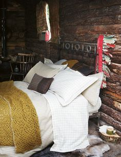 Love this room AND the crocheted blanket!!! :D