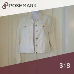NWT Forever 21 white denim jacket Size medium, never worn. Perfect condition. Forever 21 Jackets & Coats Jean Jackets