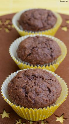 The kids will love these Oatmeal Chocolate Breakfast Muffins! #SkinnyMs