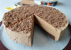 Kuten Daim-kakku  postauksessa totesin, parhaiten leivontaan sopivat suklaamakeiset ovat mielestäni Pätkis ja Daim. Tämän juustokakun ... Emerald City, Cheesecakes, Tiramisu, Brownies, Sweets, Baking, Ethnic Recipes, Desserts, Food
