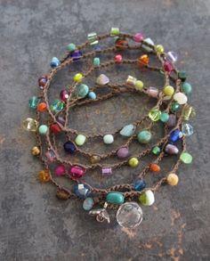 Crochet coloré wrap bracelet collier Lil' par slashKnots sur Etsy