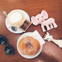 #BreakfastWithSophie and friend Kiki the elephant!